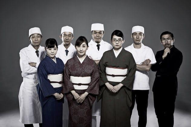 作・演出の村角太洋(右端)は「お笑いに特化した言語である関西弁の特徴を生かしたコメディーにしたい」と話す。