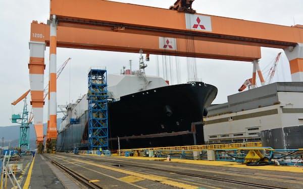 三菱重は創業の地である長崎造船所にもメスを入れる(長崎市の香焼工場)
