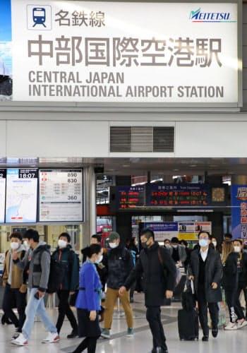 新型コロナウイルスの感染拡大で鉄道の利用客も減っている(愛知県常滑市)