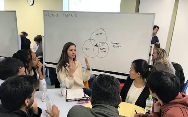 インティラック東北イノベーションセンターには毎年、米ハーバード・ビジネス・スクールの学生が事例研究のために訪れる