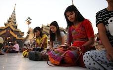 カンボジアとミャンマー、固定電話1%で一気にスマホ