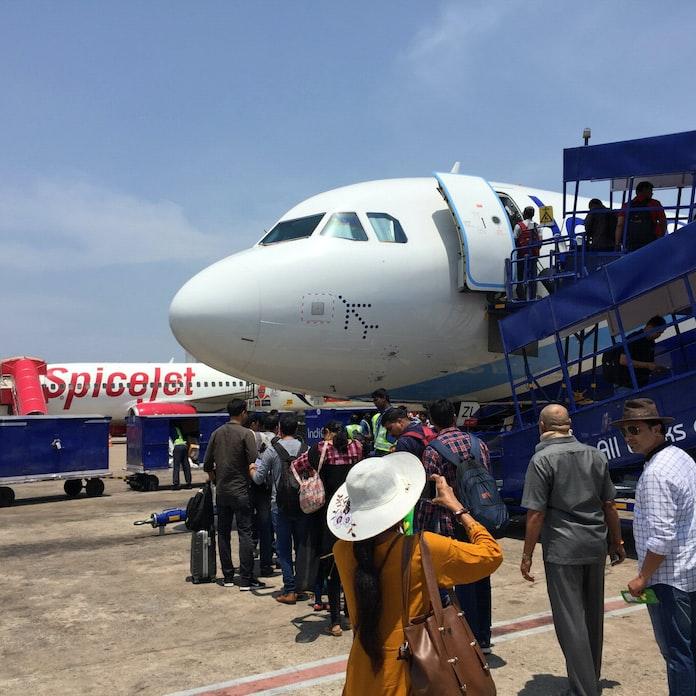 仏ADP、インド空港運営会社に1680億円を出資: 日本経済新聞