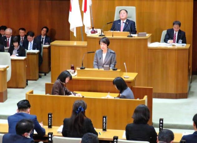 林文子市長がIRの誘致方針などについて答弁した(21日、横浜市)
