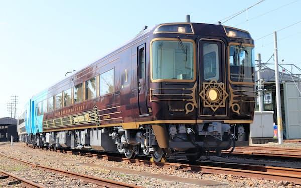 高知県を走る新観光列車の1号車は蒸気船をモチーフにした