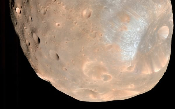 JAXAの火星衛星探査計画「MMX」で着陸を目指す衛星「フォボス」=NASA提供