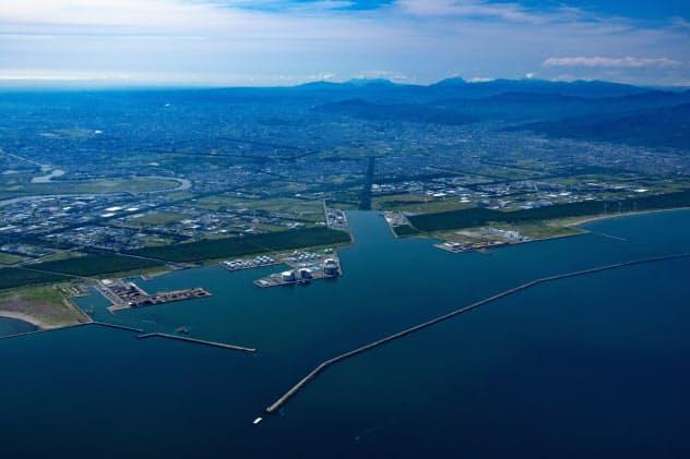 石狩湾新港では再エネ電源の開発が相次いでいる