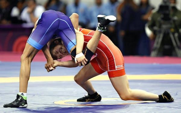 ニューデリーで開催したレスリングアジア選手権(20日)=共同