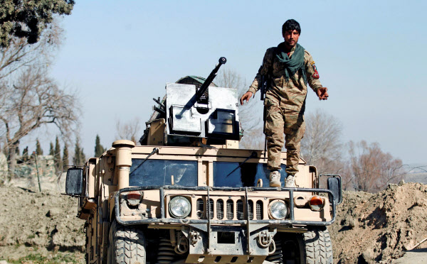 米タリバン、7日間の停戦開始 アフガン和平合意巡り: 日本経済新聞