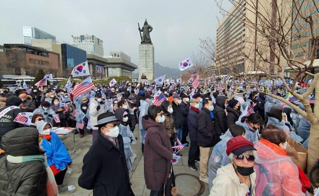 韓国の新型肺炎433人 1日で倍増、教会・病院感染で