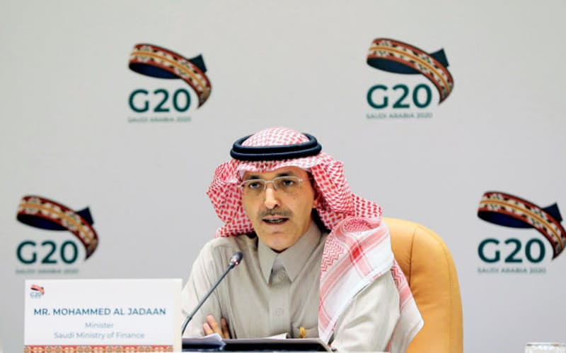 23日、リヤドで開かれたG20財務相・中央銀行総裁会議後に記者会見する、議長国サウジアラビアのジャドアーン財務相=ロイター
