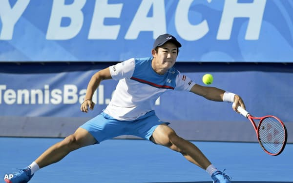 シングルス決勝で敗れた西岡良仁(23日、デルレービーチ)=AP