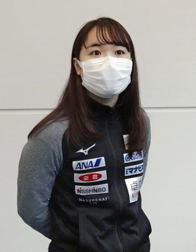 ワールドツアーから帰国した卓球女子の伊藤美誠は、世界選手権団体戦の延期を冷静に受け止めていた(25日)=共同