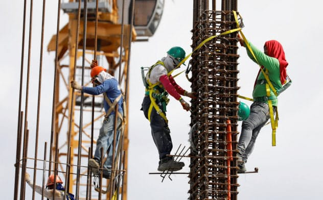 レボリューション・プレクラフテッドが掲げる高級でデザイン性の高いプレハブ住宅プロジェクトは実現するのだろうか(フィリピンの建設現場の様子)=ロイター