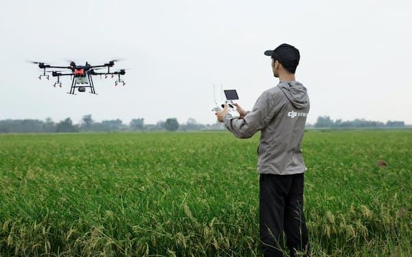 DJIのドローンはスマート農業にも応用されている(図虫提供)