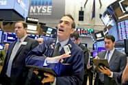 25日のニューヨーク証券取引所=ロイター