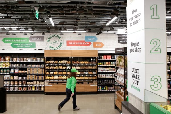 「アマゾン・ゴー・グローサリー」はレジのない食品スーパーだ=ロイター