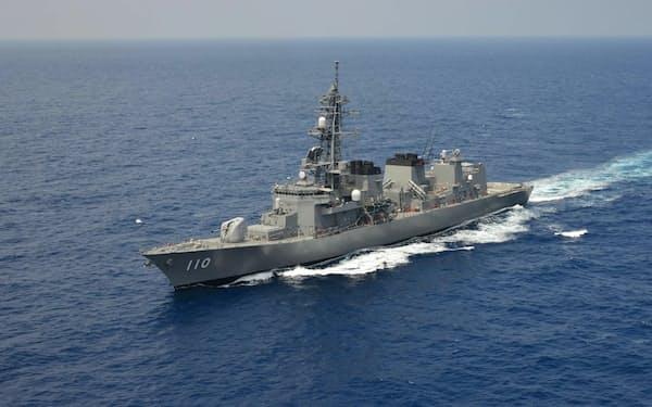 中東海域で情報収集活動についた護衛艦「たかなみ」=統合幕僚監部提供
