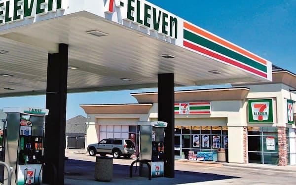 セブンは米国で店舗拡大を進めている(米国のガソリンスタンド併設店)