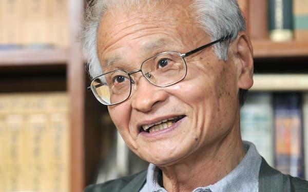 2月18日に死去した古井由吉氏。「内向の世代」の代表的作家で、ムージル、ブロッホなどドイツ語文学の翻訳でも知られた