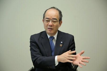 日本経済新聞の取材に応じた池田泉州HDの鵜川淳社長