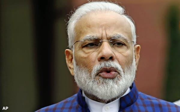 インドのモディ首相は経済減速の逆風を浴びている=AP