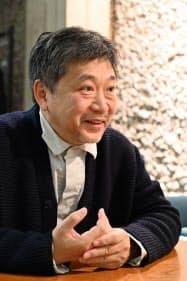 インタビューに応じる是枝裕和監督(ベルリンで、マーリス・マテス撮影)