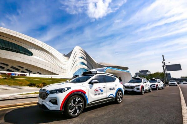 自動運転技術で収益を出すことも課題だ(湖南省で試験サービスを始めた百度のロボタクシー)
