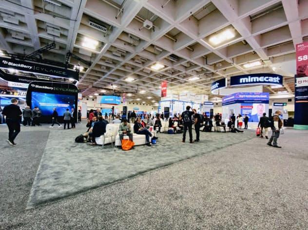 IBMの出展見送りにより、不自然な空間ができた展示会場(26日、サンフランシスコのセキュリティ見本市)