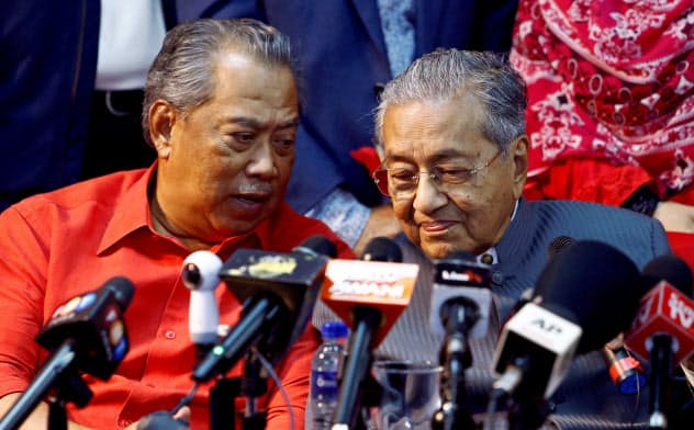 マレーシア首相にムヒディン氏 マハティール氏敗北