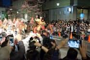 信玄公祭りは毎年、大勢の観光客が訪れる(甲府市)