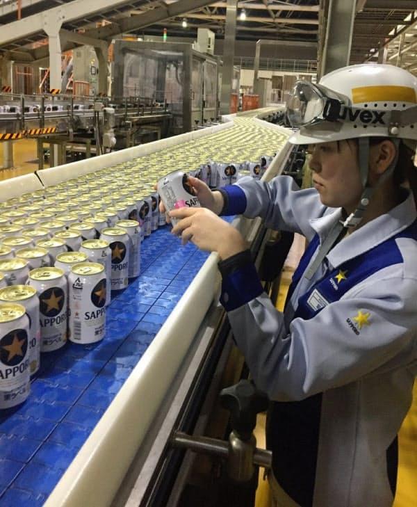 サッポロHDは酒類と食品飲料で注力領域を見直した(主力のビール「黒ラベル」を生産する国内工場)