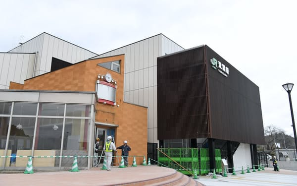 帰還困難区域が解除されたJR双葉駅前(4日、福島県双葉町)