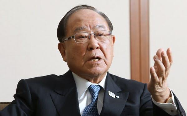 社長兼任となる御手洗冨士夫・キヤノン会長