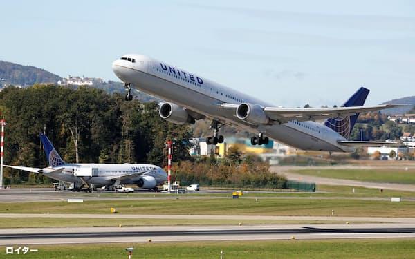 米ユナイテッド航空は日本を含む国際便を一部削減=ロイター