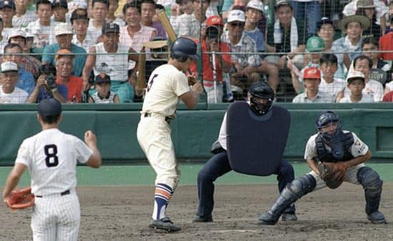 夏の甲子園の明徳義塾戦で、5打席連続敬遠された星稜の松井(1992年)=共同