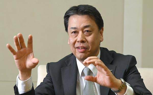 インタビューに応じる日産の内田誠社長兼CEO