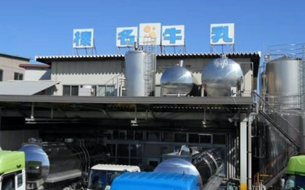 榛名牛乳を生産する榛名酪農業協同組合連合会(群馬県高崎市)は学校給食用の原料乳を市販用に回す