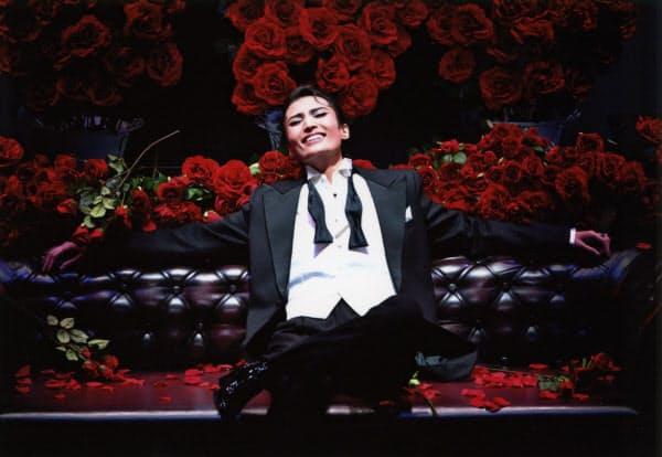 宝塚歌劇雪組公演「ONCE UPON A TIME IN AMERICA」でのヌードルス(望海風斗)(C)宝塚歌劇団