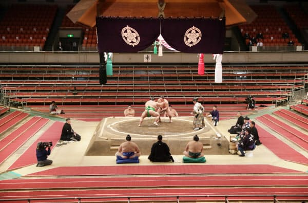 無観客で開催した大相撲春場所