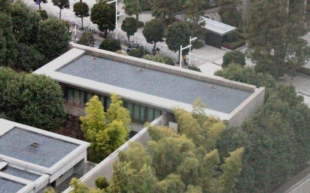長官公邸は首相官邸の裏にひっそりと建っています