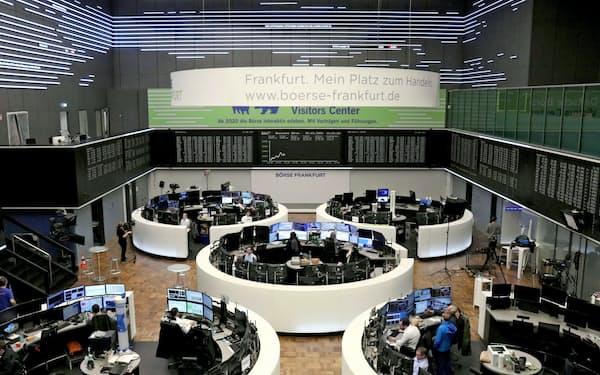 欧州株は軒並み急落している(9日、独フランクフルト証券取引所)=ロイター