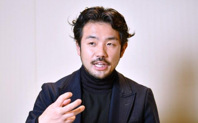 ほそお・まさたか 1978年京都市出身。音楽活動やアパレルブランド立ち上げなどを経て2008年細尾入社。高級ブランド旗艦店の内装材向け生地販売を主導。16年からマサチューセッツ工科大学のメディアラボディレクターズフェローに就任。