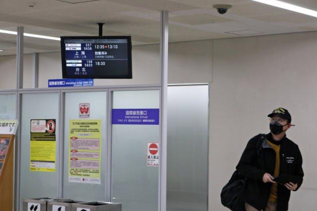 小松空港はすべての国際便が運休となる(2月中旬の国際線到着口の様子)