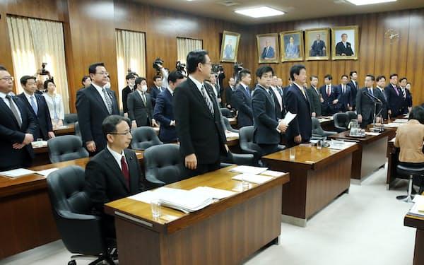 与野党の賛成多数で新型インフルエンザ等対策特別措置法改正案を可決した衆院内閣委(11日)