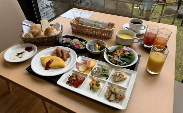 金沢彩の庭ホテルは朝食のビュッフェを維持しつつ、定食形式でも提供できるようにした(金沢市)