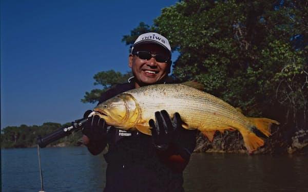 苦心の末に釣り上げた全長68センチ、重さ5キロのドラド(2004年)