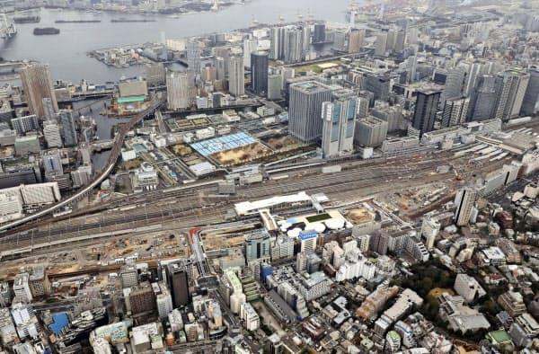 高輪ゲートウェイ駅(中央)を中心に、今後は高層マンションや商業施設の建設が進む(14日午前)=共同