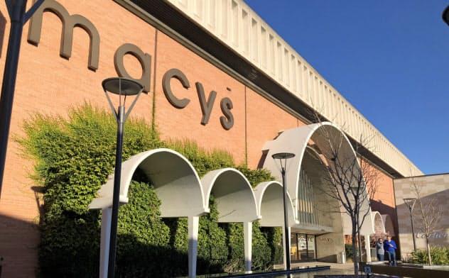 メイシーズはスタンフォードショッピングセンターの大きな一角を占めている。しかし訪れる人は少ない