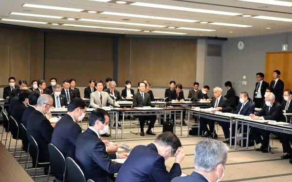 森田健作知事は千葉県内の金融機関に対し、企業の資金繰り支援を呼びかけた(16日、千葉県庁)