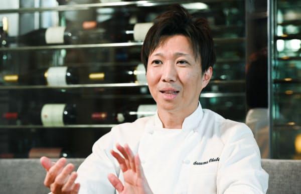 おおくぼ・すすむ 1975年北海道生まれ。95年辻調理師専門学校を修了後、フランス校で1年間実地研修をした。東京で料理人・パティシエとして経験を積み、2013年「Pierre(ピエール)」開業から副料理長として携わる。14年に料理長。